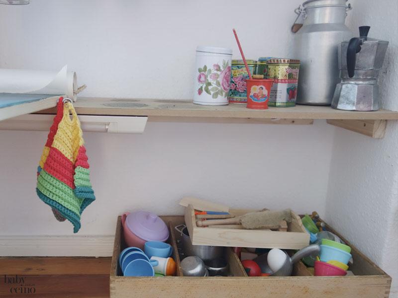 babyccino-basteltisch-tisch-kiste