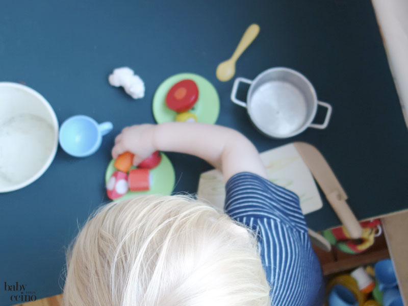 babyccino-basteltisch-tisch-kochen-2