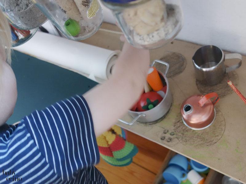 babyccino-basteltisch-tisch-kochen-4