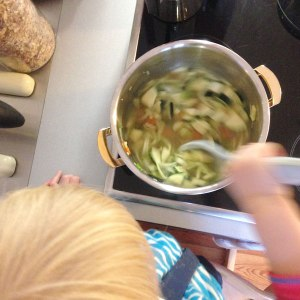 Griesskloesschensuppe-kinderk-ochen