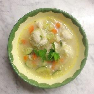 Griesskloesschensuppe