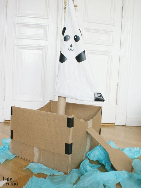 Upcycling-pappboot-panda-6