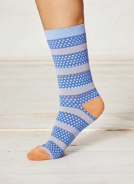 hembury-delft-blue-dot-bamboo-socks-close-2_1_1